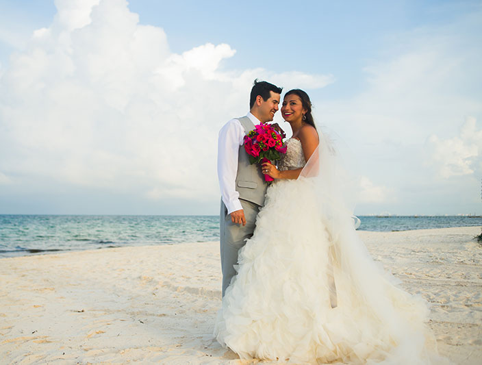 wedding-couple-cancun