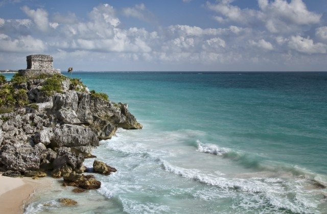 Why choose Cancun for your bachelor party vacation