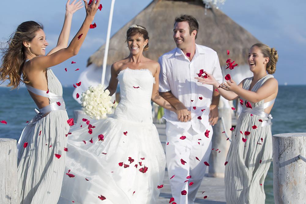 A Romantic Setting Beach Wedding