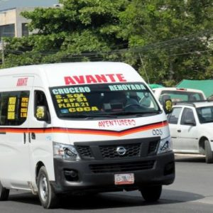 Taxis and Bus Services in Cancun