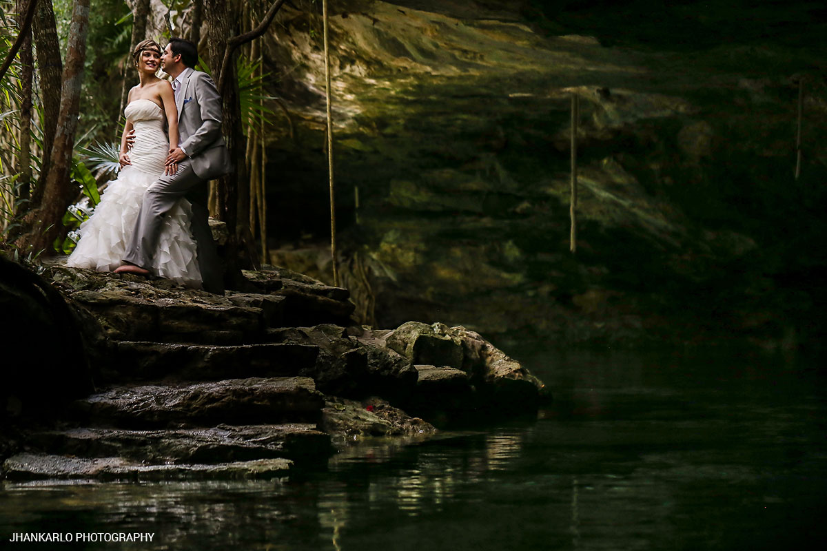 cancun-wedding-photos-with-cenotes