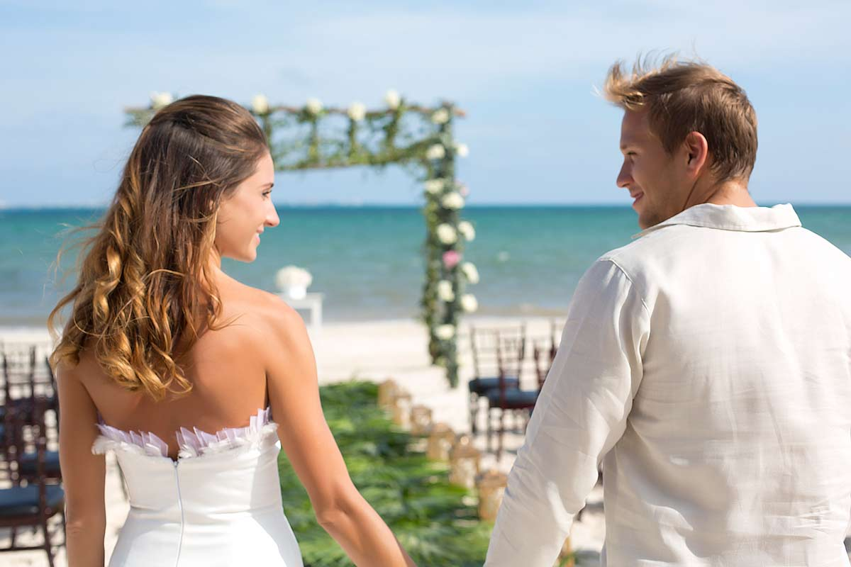 Symbolic and Religious Wedding Ceremonies in Cancun