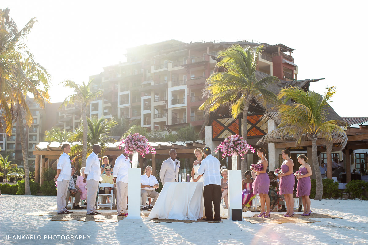 What's the Ideal Size Guest List for your Wedding?