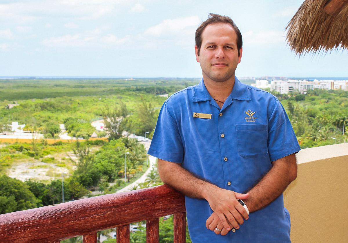 New Manager at Villa del Palmar Cancun
