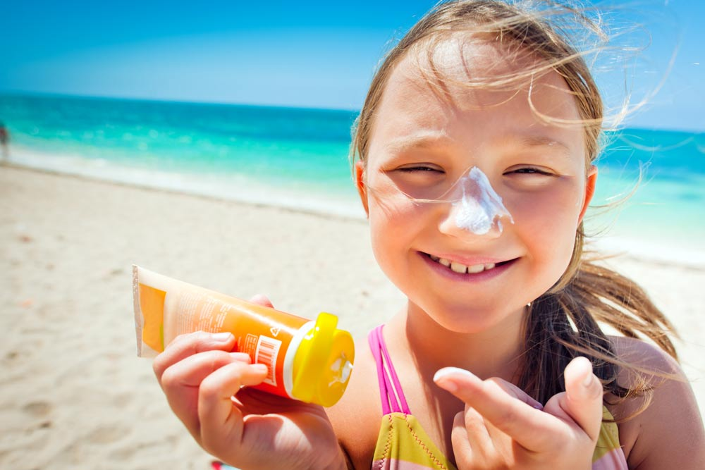 Sunscreen helps fend off premature aging of the skin