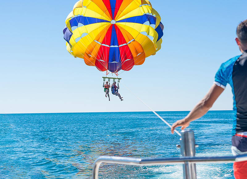 The Ideal Conditions for Parasailing in Cancun