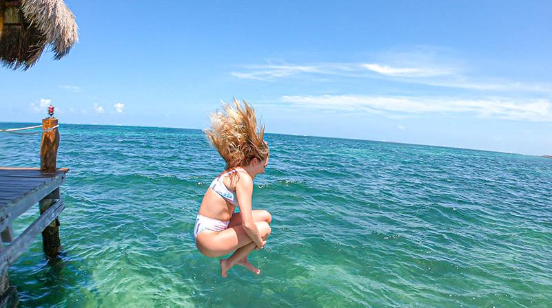 Sargassum free beach in Cancún