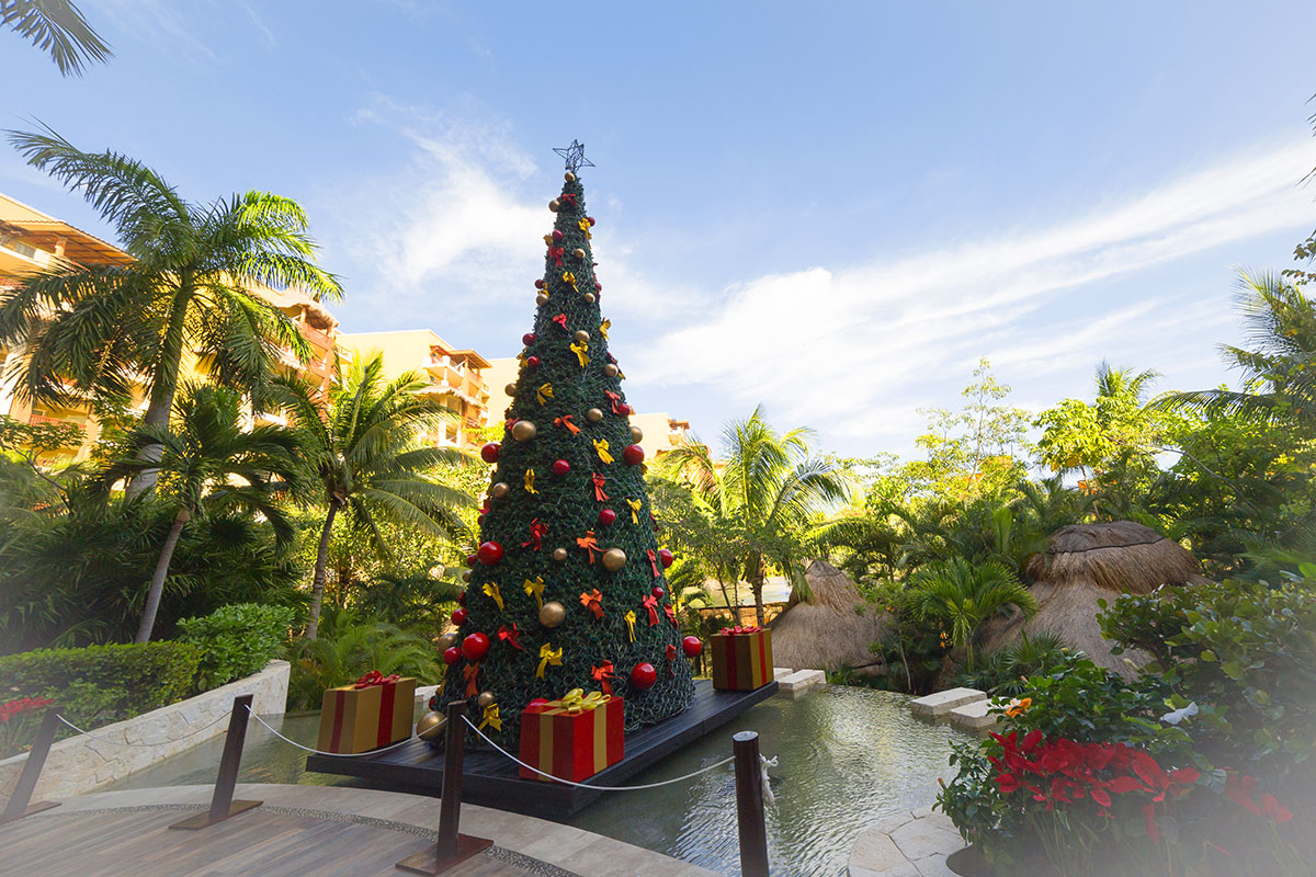 Los Cabos Restaurants Open Christmas Eve Monday December 24th 2020 Christmas and New Year's Celebrations in Cancun | Blog