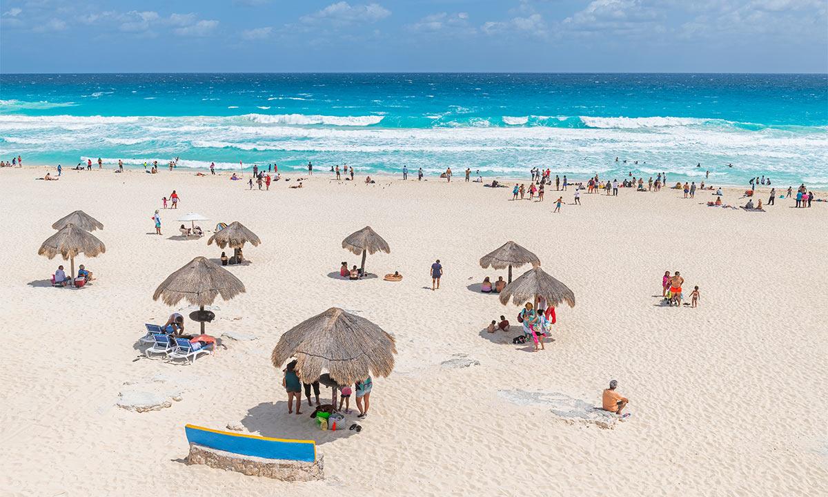 playa delfines mexico