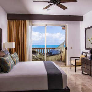 Three Bedroom Penthouse Secondary Bedroom Villa del Palmar Cancun