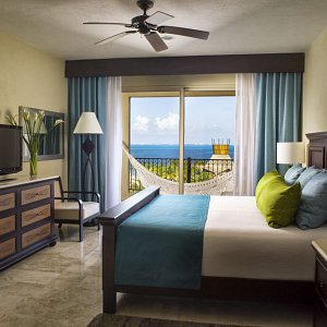 Guest Room Bedroom Balcon View Suites Villa del Palmar Cancun