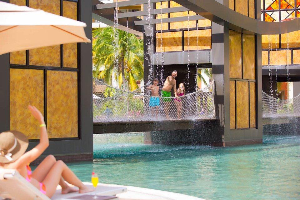 main-pool-villa-del-palmar-cancun