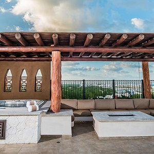 outdoor jacuzzi 2 bedroom penthouse villa del palmar cancún