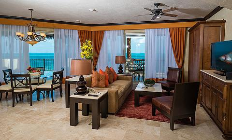 Royal Family Master Suite Three Bedrooms Oceanfront
