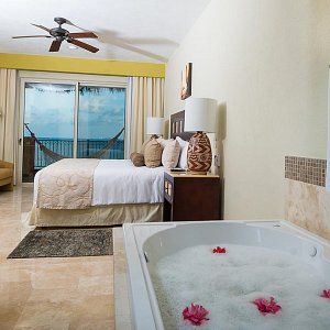 Secondary Bedroom 2 Bedroom Penthouse Villa del Palmar Cancún
