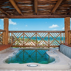 Three Bed of Jacuzzi Terrace at Villa del Palmar Cancun
