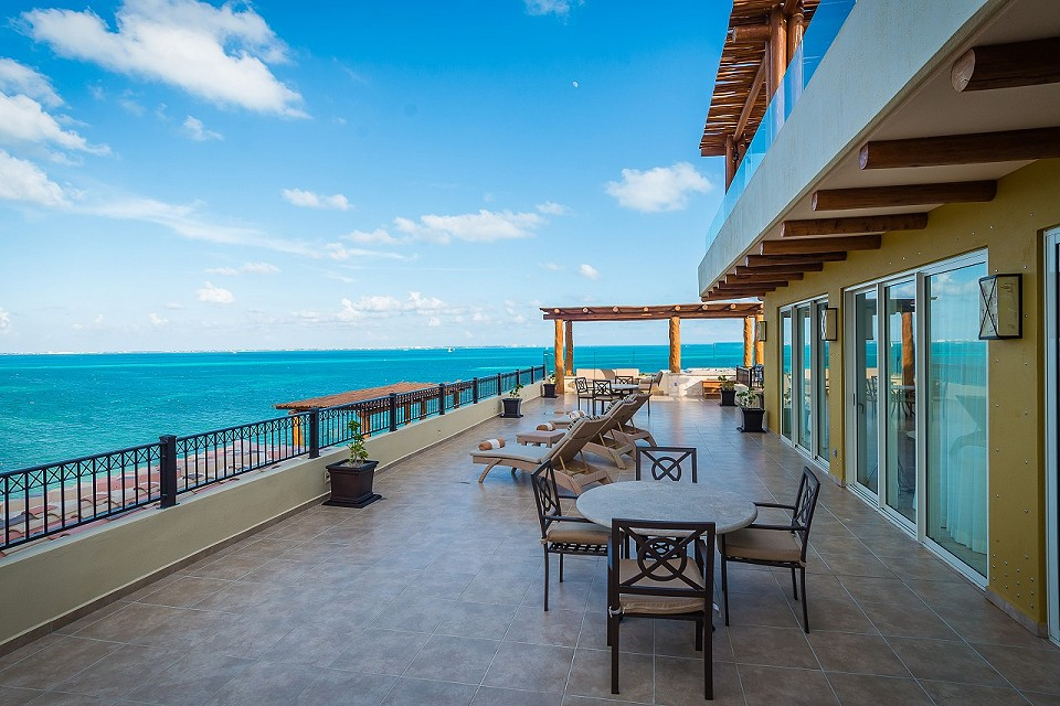 Terrace Three Bedroom Penthouse Villa del Palmar Cancun